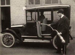 Come veniva pulita l'auto nel passato