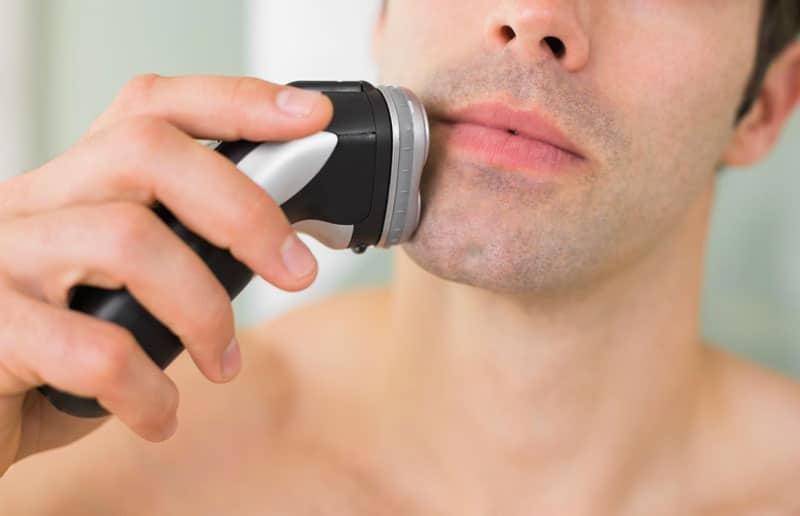 i vantaggi del rasoio elettrico