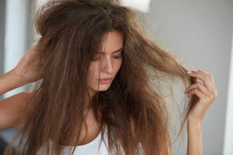 È vero che la piastra danneggia i capelli?