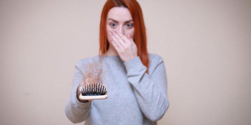 Cause della caduta dei capelli – Scopriamole da vicino